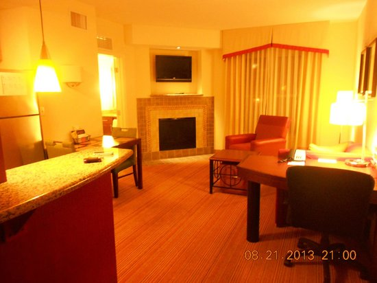 Residence Inn Chattanooga Near Hamilton Place : Fireplace