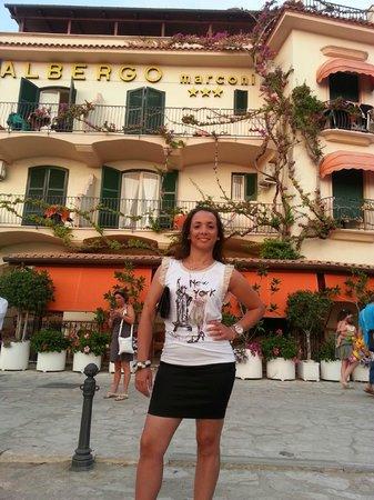Albergo Marconi: l'ingresso dell'hotel
