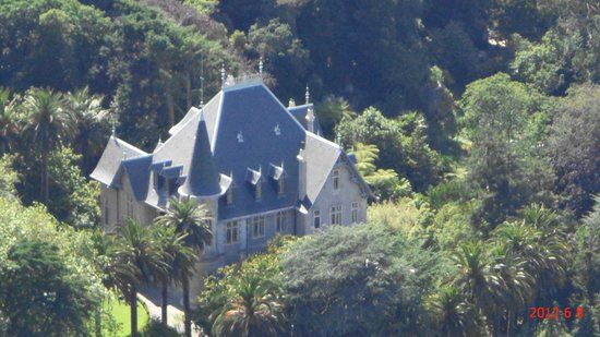 Hotel Tivoli Sintra: Castelo visto da varanda do quarto