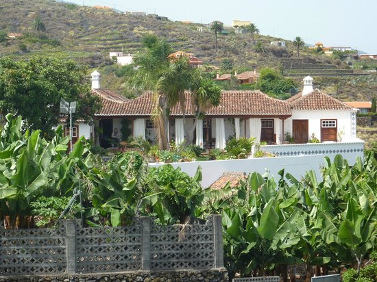 Hotel Finca Arminda: View from the road
