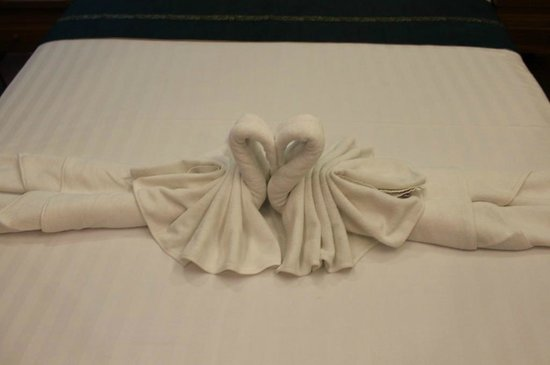 Korbua House: Cute swan towels to welcome us!