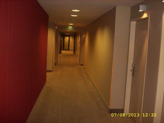 Lindner Hotel Am Belvedere: Hallway