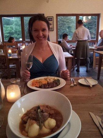 Am Birlinn: loved the food and the kilt;)