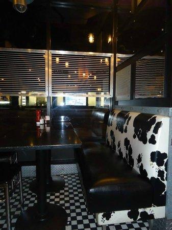 "Silver Spurs Restaurant: arredi ""particololari""!!"