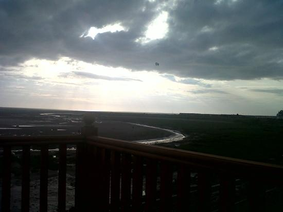 Ocean Edge Leisure Park: photo of the view from our caravan