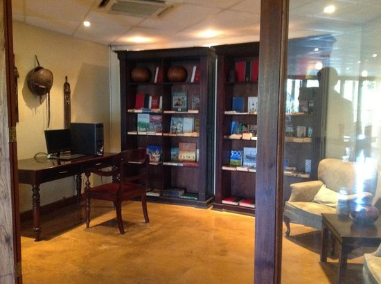 Shishangeni Private Lodge: Reading room with Internet