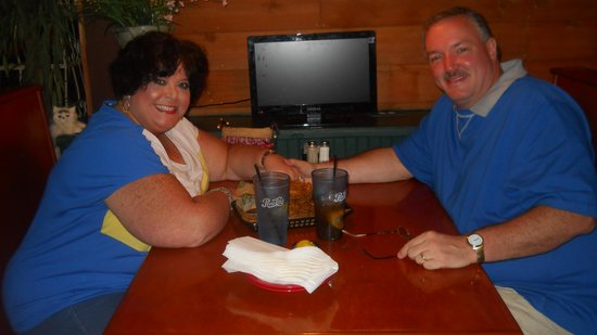 Thorny's: Us in our booth (Waitress took the pic)
