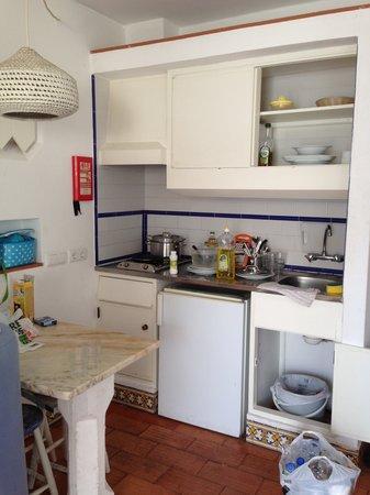 Apartamentos Soldoiro: Cozinha pésima