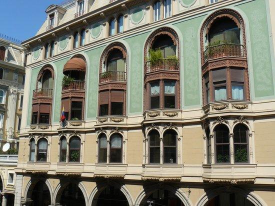 Albergo Locanda Alambra : en face de l'hotel