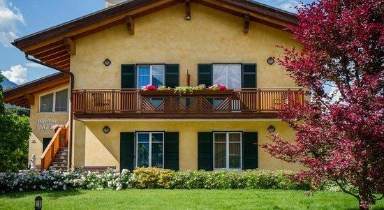 Agritur Val d'Adige: Esterno