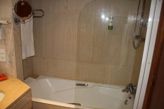 NH Lisboa Campo Grande : Baño 2
