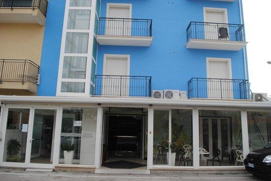 Hotel Eden: FACCIATA HOTEL