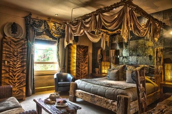 Beaumont House: i took this photo immediately on entering my room, it certainly was 'out of africa'
