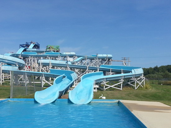 Grand Marais, Canada: waterslides at Thundermountain
