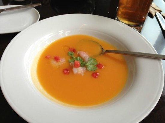 2941 Restaurant : cold mellon soup