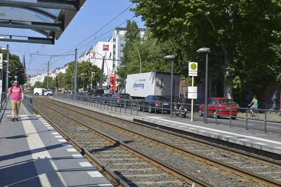 Ibis Berlin Mitte: Tram stop is just one/two minutes from the hotel