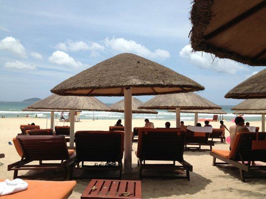 Huayu Resort and Spa Yalong Bay Sanya: hotel own beach