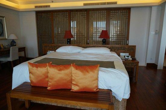 Huayu Resort and Spa Yalong Bay Sanya: bedroom