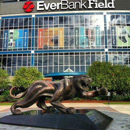 EverBank Field : Such a good boy!