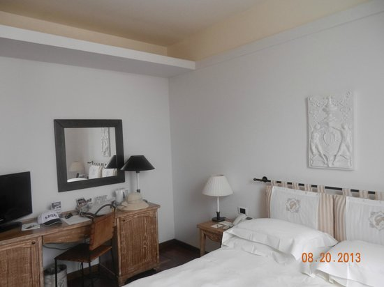 Grand Hotel Minerva: quarto de tamanho bom para os padrões europeus