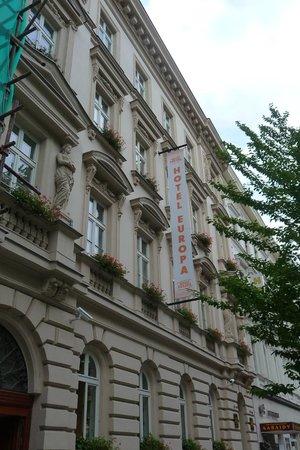 هوتل يوروبا: Front view of the Hotel