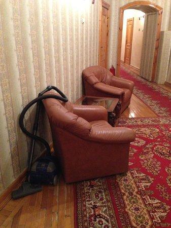 History Hotel On Kanala Griboedova: Пылесос у номера стоит все время