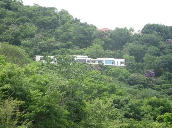 Casa Del Soul: House up the hill