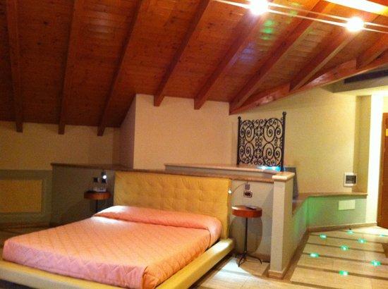 Hotel La Bussola: Suite incantesimo del lago