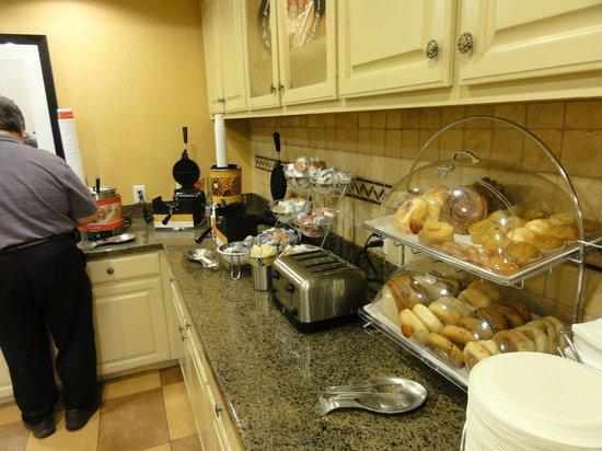 Hampton Inn & Suites Texarkana: Part of the huge presentation of breakfast items