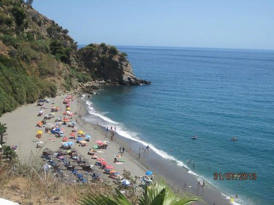 Bambu Boutique Apartments Exclusively for Women : small beach near nerja : Maro