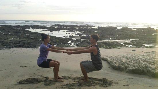 ReFLEXion Yoga Tamarindo : sunset couples yoga with Lorena at reFLEXion yoga