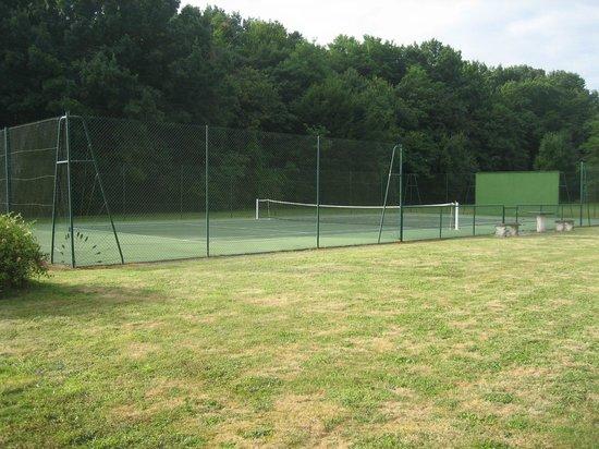 La Quenouillere: Tennis
