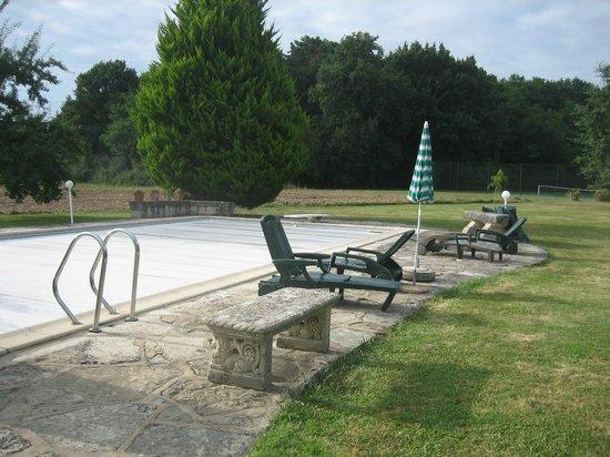 La Quenouillere: piscine