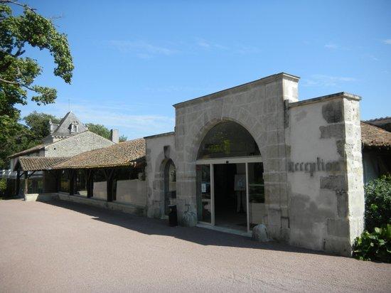 Chateau de Perigny: La réception de l'hotel
