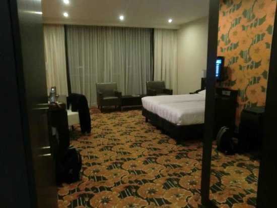 Van der Valk Hotel Duiven: vue globale de la chambre