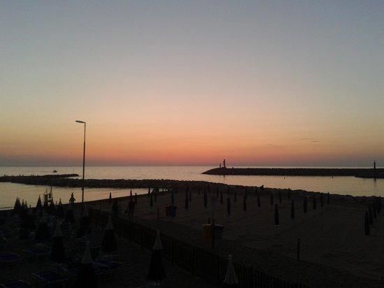 Residence Villa Piani: vista del tramonto dalla terrazza di villa piani