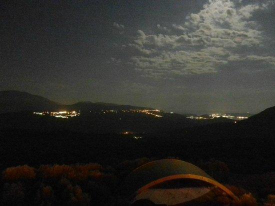 Hotel Il Forno Antico: Panorama dai boschi durante il trekking notturno