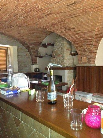 Agriturismo Buccia Nera: very nice  white wine magnano in kitchen
