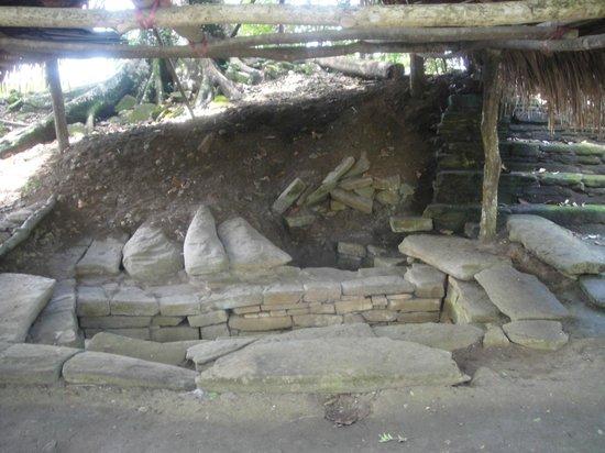 Nim Li Punit (Big Hat): More Mayan artifacts