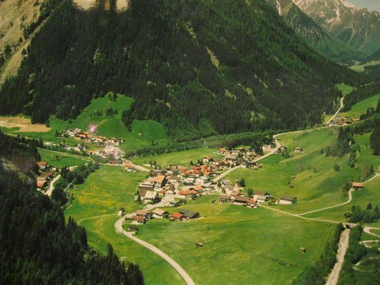 Sporthotel Antonie: The village