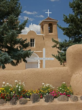 San Francisco de Assisi Mission Church: Beautiful 200 year-old church in Taos.
