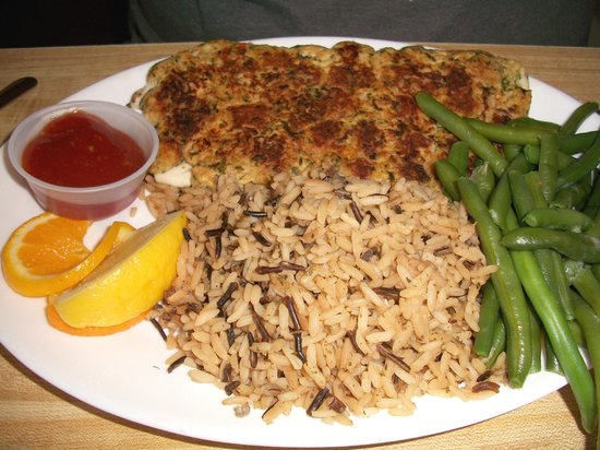 Vierling Restaurant and Marquette Harbor Brewery: Whitefish Special: broiled with a seafood stuffing mixture spread on top. Wild rice. Green beans