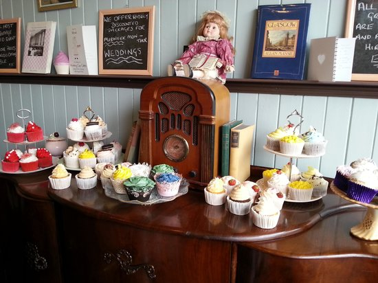 Cupcakes For You & West End Vintage: delicious cupcakes