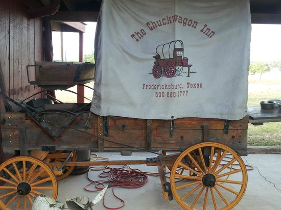 Chuckwagon Inn Bed & Breakfast: Chuckwagon in the Catina