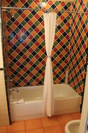 Apalachicola River Inn: Guest room bath