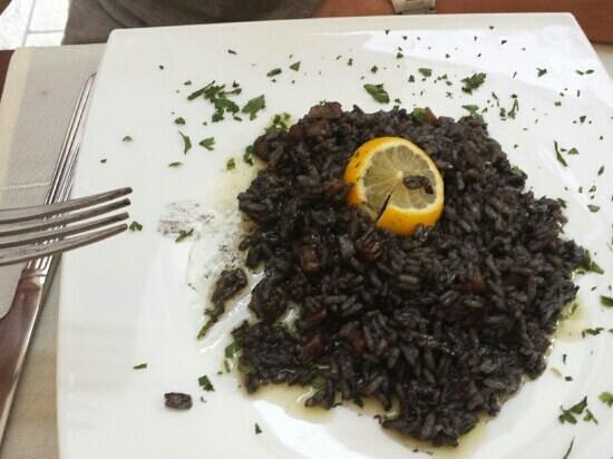 Pizzeria & Spaghetteria Storia : risoto noir aux calamars