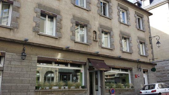 Hotel Les Ajoncs d'Or : davanti all'hotel