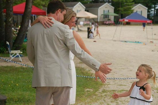 Point Sebago : Dancing on the beach with Park homes in background
