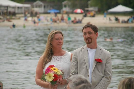 Point Sebago: Beach Ceremony