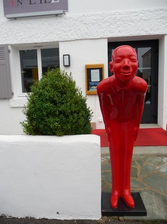 Hotel  La Villa en l'Ile: Oscar vous félicite de votre choix !